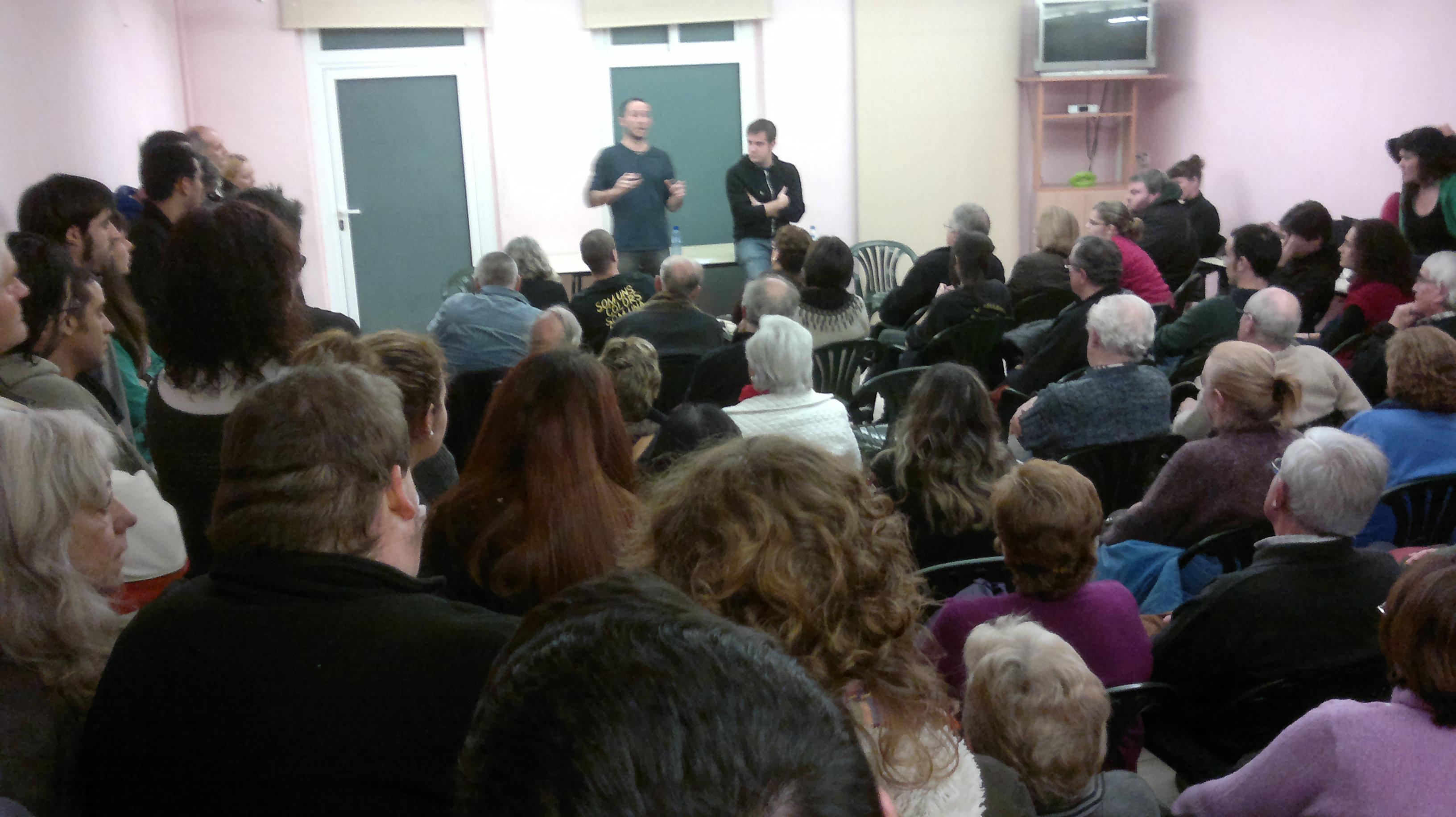 """Se celebra amb èxit l'Assemblea Popular sobre el servei d'apropament a l'estació """"Tino"""""""