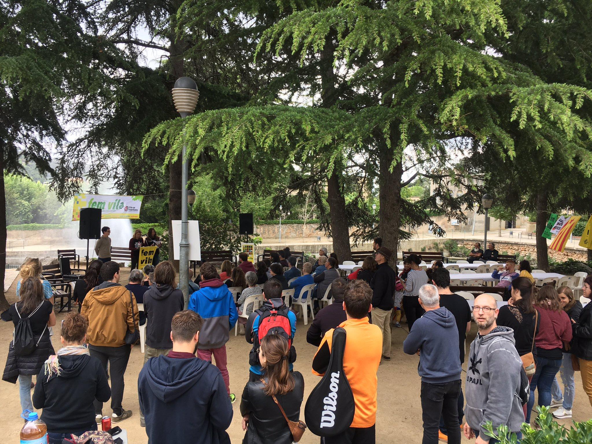 Exposició del programa i dinar popular, un resum del primer acte de campanya