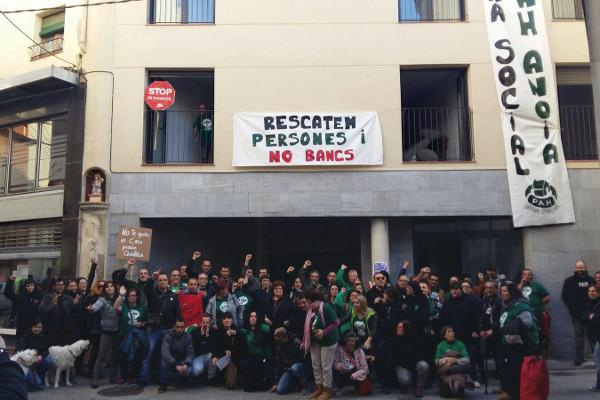 Vila de Capellades- CUP dóna suport a l'Obra Social de la PAH Anoia a Capellades